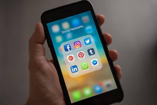 Pictogrammen voor sociale media-app op smartphone