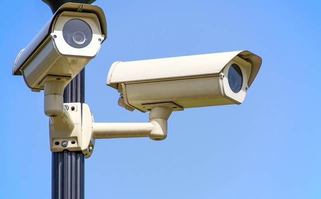 Beveiligingscamera's op een lichtmast